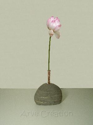 arve cr ation galets et bois flott soliflore galet demi rond. Black Bedroom Furniture Sets. Home Design Ideas